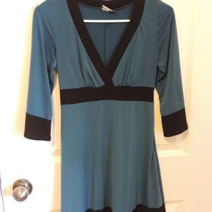 blue/green three quarter sleeve dress